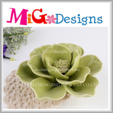 Neue Ankunfts-grüne keramische dekorative Blumen geformte Kerzenhalter