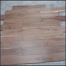 Suelo de madera de nogal americano sólido seleccionado