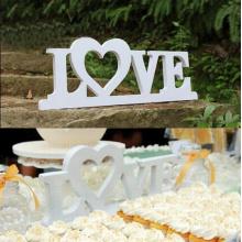 Liebe-Buchstaben-Dekoration für Hochzeit