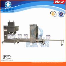 Máquina de rellenar adhesiva automática con la banda transportadora