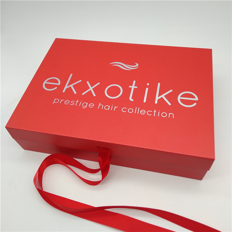 Hair Extension Packaging With Satin