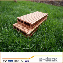 Waterproof smooth surface wood plastic composite hollow decking
