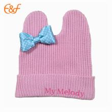 Sombrero de niña de punto personalizado rosa con lazo