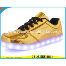 2016 Los zapatos de la zapatilla de deporte de destello de la luz del diseño popular encenden para arriba para el regalo