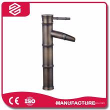 Nouveau design bambou forme en céramique de luxe bassin robinet cascade laiton bassin robinet