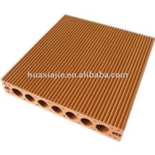 Holz-Plastik-Decking