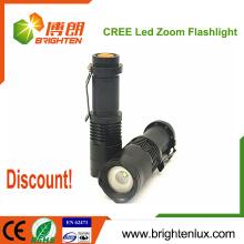 Vente en gros Prix à bas prix Urgence Utilisation tactile Mini Aluminium High Bright 3watt Cree petite torche led puissante avec Zoom Fonction