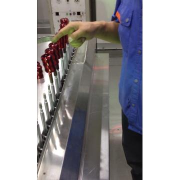 Maquinaria de pulverización de pintura a base de agua bola de Navidad