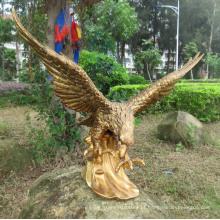 Vida tamanho golden eagle jardim bronze escultura