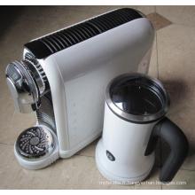Machines à café expresso de type italien avec mousseur à lait