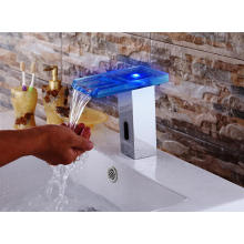 Cristal de LED automático de grifo frío y caliente