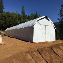Tubo de invernadero de cáñamo industrial Película de invernadero de apagón de túnel de tramo único agrícola