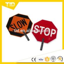 "Plástico ABS Paddle Sign, Legenda ""STOP / SLOW"", 27 ""Altura, Vermelho em Laranja"