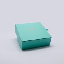 Embalagem de caixa magnética de carregamento sem fio de papel personalizado de cor verde com manga