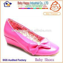 Chaussures à talons hauts pour dresser des enfants