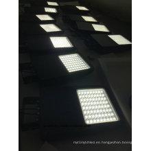 Cartelera y edificio de la fabricación de Shenzhen que utilizan la luz de inundación solar llevada LED