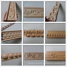 Moldura decorativa tallada en madera.
