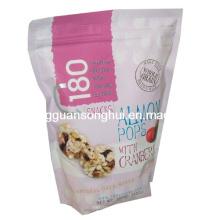 O saco de embalagem dos PNF do arroz / levanta-se o saco do alimento