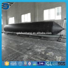 Utilisation de bateau Utilisation de bateau Sous-marin transportant l'airbag