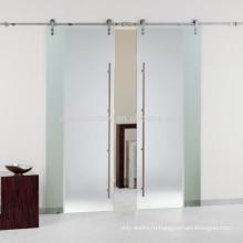 Внутренние тройные стеклянные раздвижные двери сарая с оборудованием