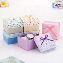 A caixa de presente da jóia das meninas personaliza por atacado com as caixas do colar da impressão do logotipo
