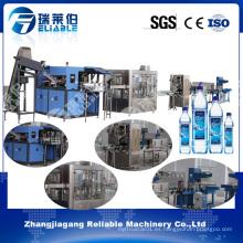 Línea de producción automática del agua potable de la botella del animal doméstico / máquina de rellenar
