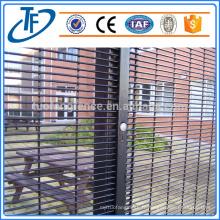 Hot Dirty Galvanized Anti Climb 358 Prison Mesh Fence (Factory Exporter)