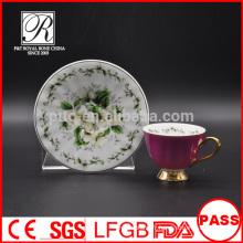 P & T chaozhou usine, tasses à café et soucoupes, tasses vitrées couleur violette, tasses en or