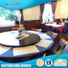 Le partenaire d'affaires a voulu le chemin de table non tissé facile de fournisseurs de Shenzhen Fournitures de nettoyage