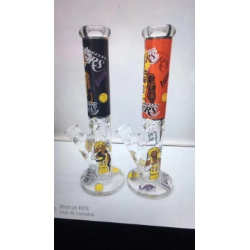 Straight Tube Glass Bongs mit einem Basketballspieler