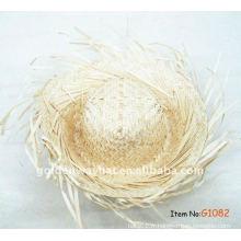 Chapeau en paille de plage bordé