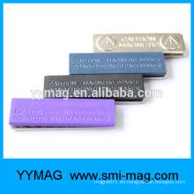 2015 Insignia de plástico magnético reutilizable Calidad Elección