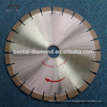 Diamond arranged cutting blade for reinforced concrete