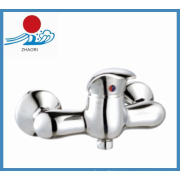 Cuerpo de latón solo mango grifo de agua del grifo del baño (zr21604)