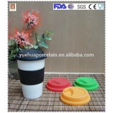 Popular parede dupla caneca de cerâmica com tampa de silicone