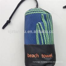 Logotipo de secado rápido y paquete toalla de viaje de microfibra de gamuza playa / baño / gimnasio / microfibra deportes