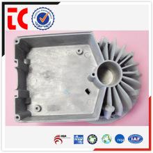 Los productos chinos calientes superventas llevaron la cubierta vacía de la lámpara / la cubierta de la batería / la carcasa llevada die casting de aluminio