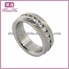 Bague en acier inoxydable de qualité chaude en anneaux ronds en zircon cubique clair pour hommes