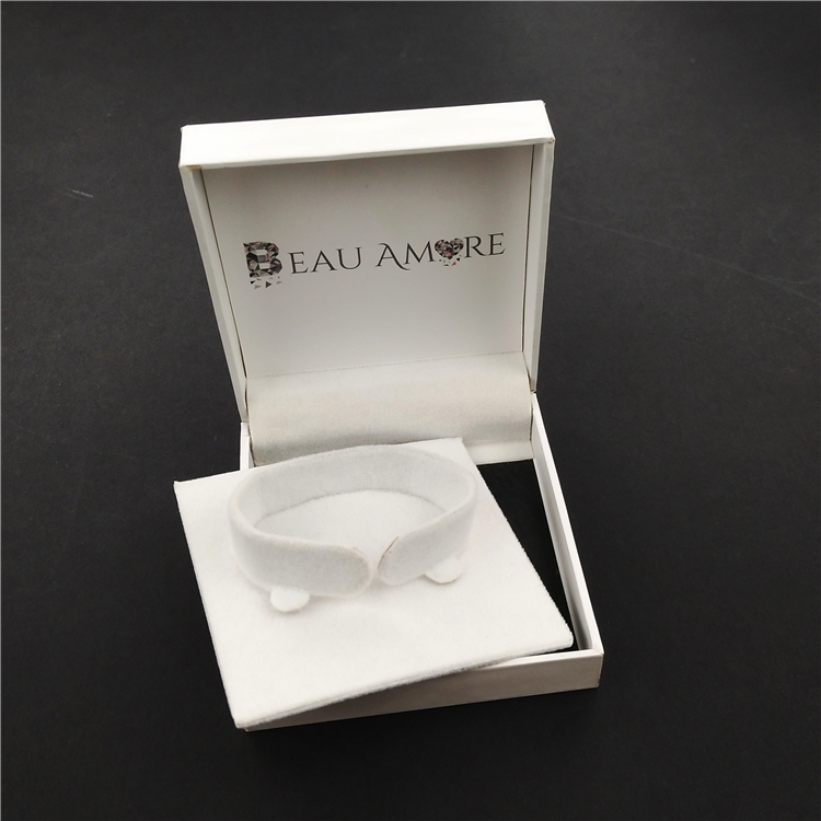 White Custom Folding Jewelry Box For Bracelet