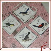 Дизайн птицы и керамические подставки с железом