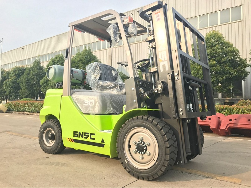 3t gas forklift to Guatemala from sheri (4)