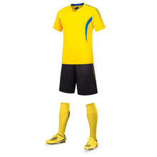 Haute qualité 100% polyester football jersey uniforme de football nouveau design maillot de football