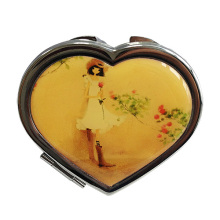 Любовь в форме компактное зеркало