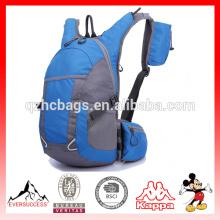 Sac à dos imperméable à l'eau ultra-léger de sac à dos de sports de plein air, sac à dos de randonnée des hommes 30L et des femmes