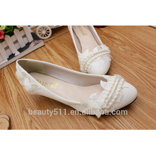 Les chaussures de mariage blanc d'une robe de mariée blanche et une robe de mariée douce pour la demoiselle d'honneur au printemps et l'été WS017
