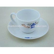 Tazas de café espresso de alta calidad y platillos con excelente precio