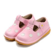 Rosa mit weißen Tupfen Baby Schuhe