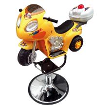 Салонное детское кресло в форме мотоцикла