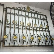 Diseño decorativo de la parrilla de la ventana del hierro labrado