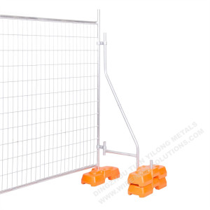 Temporary Fencing With Plastic Concrete Block